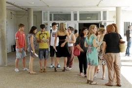 Más de un millar de personas se presentarán en las Pitiusas a las pruebas del catalán