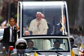 """El Papa defiende a las comunidades indígenas frente al predominio """"del más fuerte"""" en una misa en la Araucanía"""