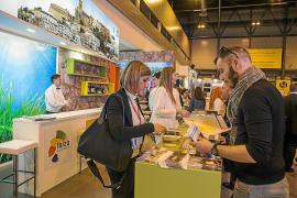 Los hoteleros mantienen sus buenas expectativas para Ibiza, pero alertan del «disparo de ventas» de otros destinos