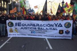 200 policías y guardias de Balears acuden a la marcha por la equiparación salarial