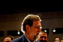 Rajoy amenaza con mantener el 155 si Puigdemont vuelve a ser investido
