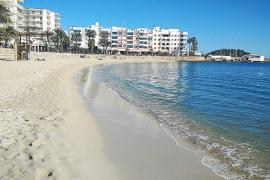 Enero en la playa a 20 grados en Ibiza