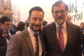 Rafa Ruiz se defiende en redes sociales de las críticas recibidas por su foto con Mariano Rajoy