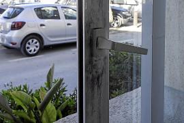 La Policía investiga un violento asalto a un hostal del que se llevaron en torno a 50.000 €