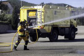 Ibiza adquiere una nueva autobomba para combatir incendios forestales