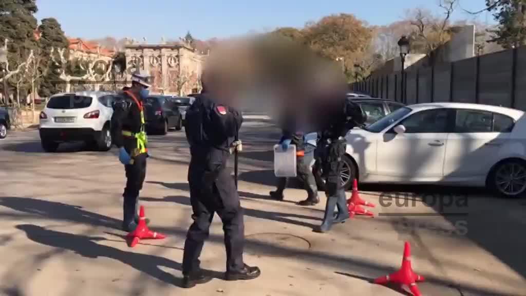 Policías inspeccionan el subsuelo del Parlament y refuerzan fronteras para evitar la investidura de Puigdemont