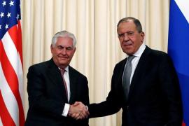 """Lavrov expone ante Tillerson la """"disposición"""" de Corea del Norte para retomar el diálogo"""