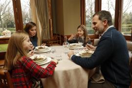 La Casa del Rey difunde imágenes inéditas de la vida familiar de Felipe VI