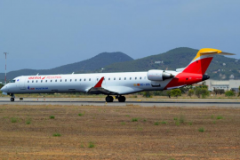 Un rayo impacta en un vuelo entre Ibiza y Mallorca