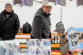 Pequeños y mayores se empapan de tradición en el «Feim Barri»