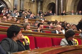 El Parlament celebra este martes la investidura pendiente de si regresa Puigdemont