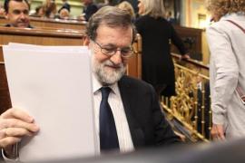 """Rajoy dice que han conseguido evitar que un """"prófugo"""" de la justicia sea investido y pide un """"candidato limpio"""""""