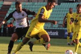 El centrocampista Daniel Momprevil, nuevo jugador del Formentera