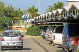 Sant Josep solicita un aparcamiento disuasorio de larga estancia en el aeropuerto de Ibiza