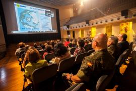 Alumnos de Santa Eulària conectan en directo con una base española en la Antártida