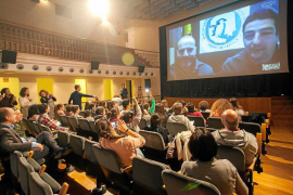 Estudiantes de Santa Eulària «viajan» a la Antártida gracias a la magia de Internet