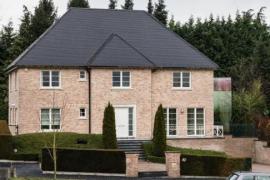 Carles Puigdemont alquila una mansión en Waterloo con un valor mensual de 4.400 euros