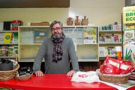 Torres Costa, la tienda de los payeses en Vila, cierra tras medio siglo de historia