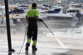 Los empleados del servicio de limpieza en Sant Antoni protestarán por sus condiciones de trabajo