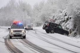 Un total de 34 provincias estarán este lunes en riesgo por nevadas, frío, lluvia, aludes y fenómenos costeros