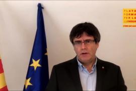 """Puigdemont dice que la catalanidad """"ha ido siempre al lado de la defensa de la democracia"""""""