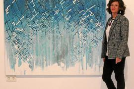 Lourdes Crespí muestra su faceta más abstracta en la sala Es Polvorí