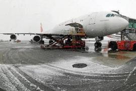 Dos vuelos cancelados en Ibiza por el temporal de nieve en Madrid