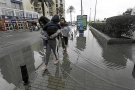 El calvario de ser peatón en Ibiza en días de lluvia