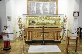 Los trabajos de exhumación en la Catedral de Ibiza finalizan con el hallazgo de un esqueleto completo