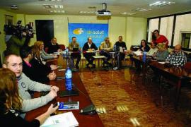 El nuevo decreto del catalán sigue sin convencer a los médicos