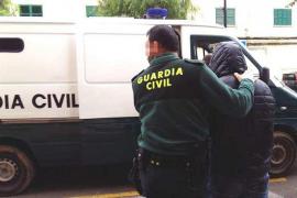 La Guardia Civil detiene a tres personas en Formentera por robos en viviendas