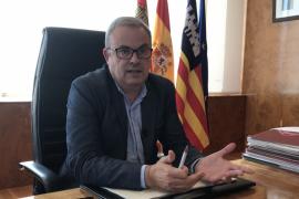 Vicent Torres: «Ibiza tiene que limitar la entrada de vehículos»