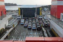 Los 'rent a car' niegan ser la causa de la saturación en las carreteras