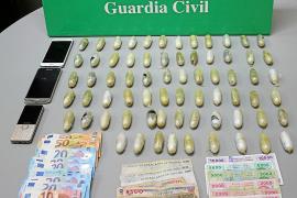 La Guardia Civil detiene a un hombre en el aeropuerto de Palma con 70 envoltorios con heroína en su interior