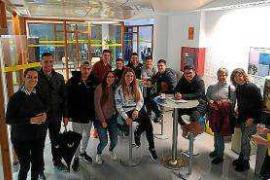 Los alumnos de ciclos formativos del IES Algarb visitan el Viver d'Empreses