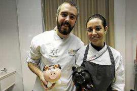 El chocolate, protagonista en el IES Sa Serra gracias a dos maestros pasteleros