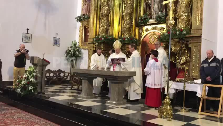 El obispo consagra la iglesia del Puig de Missa en su 450 aniversario