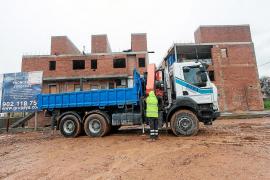 Vila ejecuta de manera subsidiaria los trabajos para tapiar el edificio okupa de es Viver