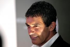 Antonio Banderas reconoce haber sufrido un tumor benigno en la espalda