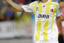Dani Güiza con su nuevo equipo el Fenerbahce turco.