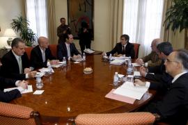 Antich se ve obligado a negociar cada proyecto con el PP en el Parlament