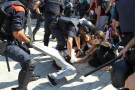 Al menos 4 detenidos, entre los indignados, por los incidentes en el Parc de la Ciutadella de Barcelona