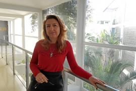 La responsable de Cas Serres dice que ha sido destituida por ponerse de lado de los sindicatos