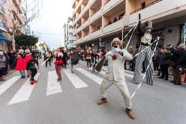Los 'Transformers' repiten doble premio en el desfile de Santa Eulària