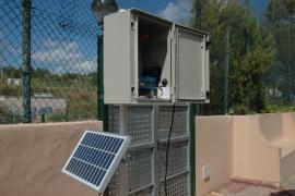 Primera antena de control de ondas de móviles en las Pitiüses