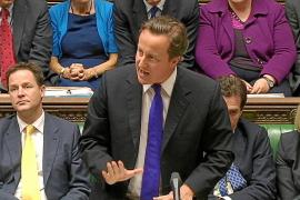 Cameron lamenta haber contratado como jefe de prensa a Andy Coulson