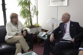 Merkel y Papandreu en la cumbre para discutir el segundo rescate a Grecia