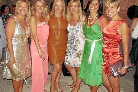 Cena del grupo Solo Para Mujeres