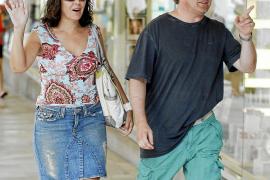Isabel Gemio, con su novio en Palma