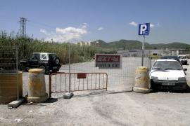 Vila prevé multas de 6.000 euros para los dueños de parkings ilegales de es Pratet